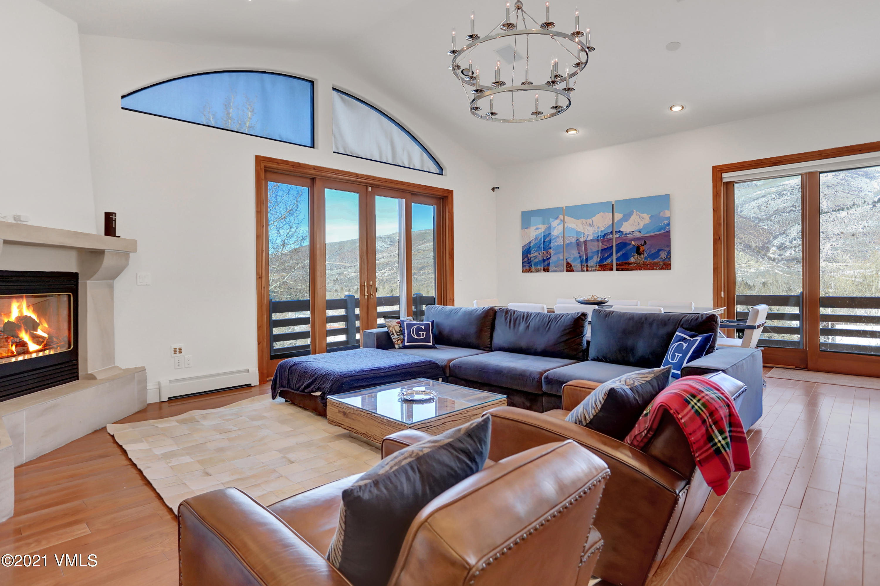 Incredible Duplex in Eagle-Vail on Whiskey Hill with a new mountain modern style. Great space layout with private back yard and deck. This home is walking or biking distance to Golf Clubhouse, Pool, Tennis etc. This is a home you need to see today!