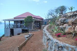 bungalow, looking west