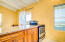 Comfortable and breezy 1 BR south shore cottage with full granite kitchen and stainless steel appliances