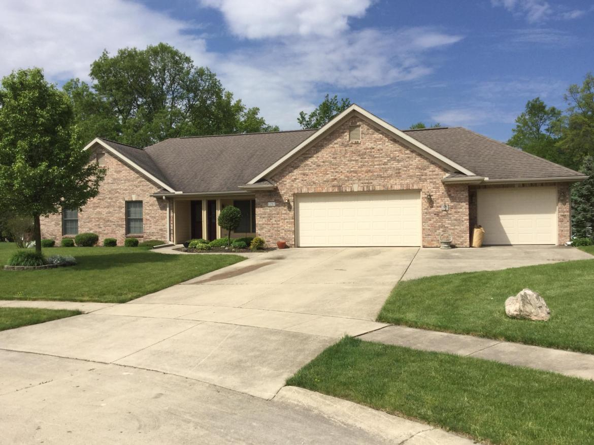 Well maintained home with open concept.  Beautiful oak cabinets that opens up to a spacious  living/family room. An added bonus is den/office extending out from the family room.  Nice size bedrooms and 2 1/2 bath.  Lots of storage throughout the house with built in shelving in the attic.  3 car garage.  Call today for a private showing.