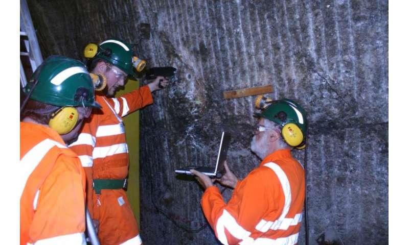 Científicos del proyecto MASE estudian un ambiente similar a Marte en el interior de la mina Boulby, en Inglaterra, buscando señales de vida que ayuden a identificarla en otros planetas.