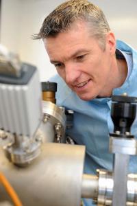 Il professor Tim Jones della University of Warwick. Credit: University of Warwick