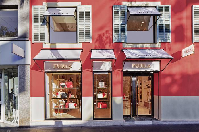 Furla, bolso, tienda, retail, apertura, complemento, Niza, Francia, expansión
