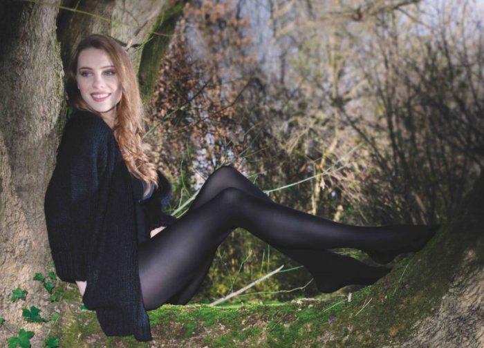 Sarah Borghi, calcetería, Roica