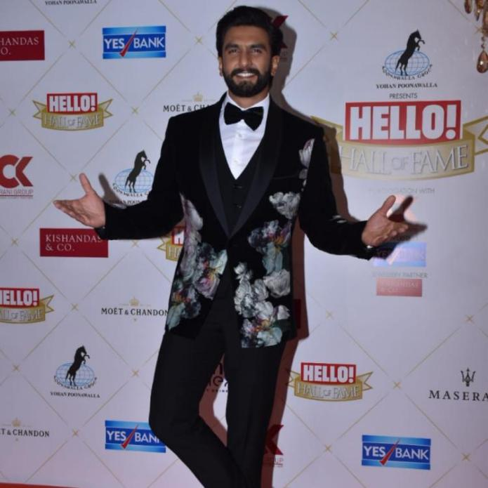 PHOTOS: Ranveer Singh is all smiles as he gets snapped at the Hello! Hall of Fame Awards