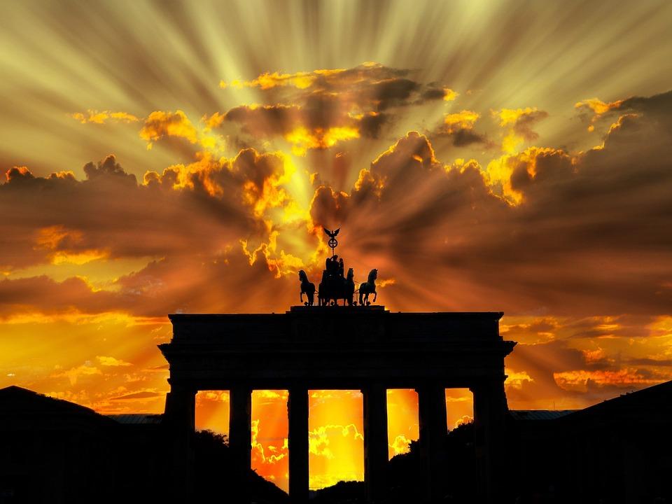Puerta De Brandenburgo, Anochecer, Salida Del Sol