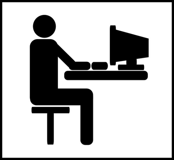ordinateur bureau l'homme