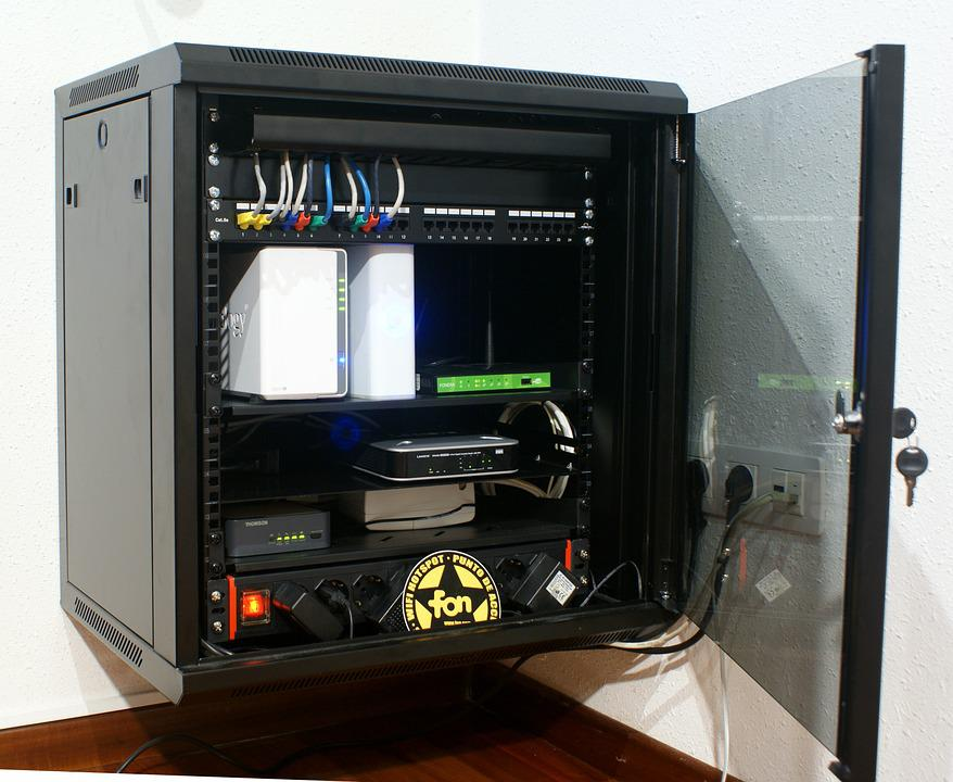 Foto gratis Armadio Rack Informatica Router  Immagine