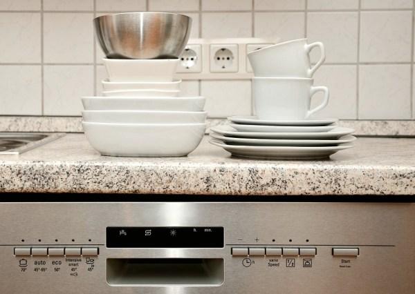 食器洗い 食事 キッチン 台所