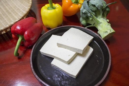 Affettare Il Tofu, Tagliare Una Parte Di Trasporto