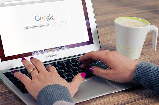 rédaction web ordinateur articles seo écriture