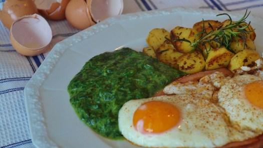Fritto, Spinaci, Formaggio Del Fegato, Patate Fritte