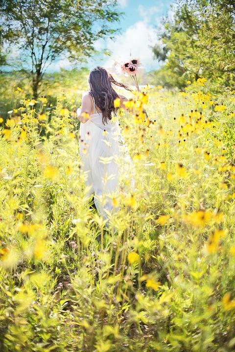 Girls Walking In Public Wallpapers Free Photo Pretty Woman Wildflowers Summer Free Image