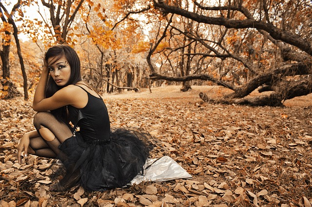 Fall Leaves Dancing Wallpaper Woman Girl Model 183 Free Photo On Pixabay