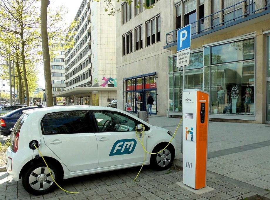 Resultado de imagen para autos eléctricos carga