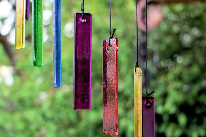 色, ガラス, 紫, カラフルです, 青, 装飾的な, 装飾, 赤, クラフト, 文字列, 風鈴, 飾り, 外