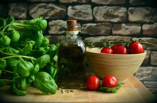 Olio D'Oliva, Pomodori, Basilico, Mangiare