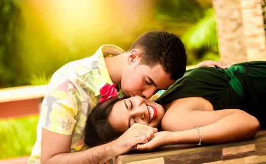 Coppia, Baciare, Mentire, Relax, Insieme, Felicità