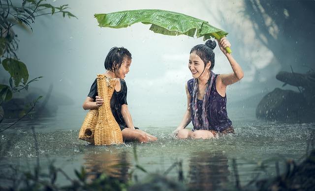 女性, 若いです, 雨, 池, カンボジア, 女の子, 幸せ, 子供, ラオス, ミャンマー, ビルマ, 自然