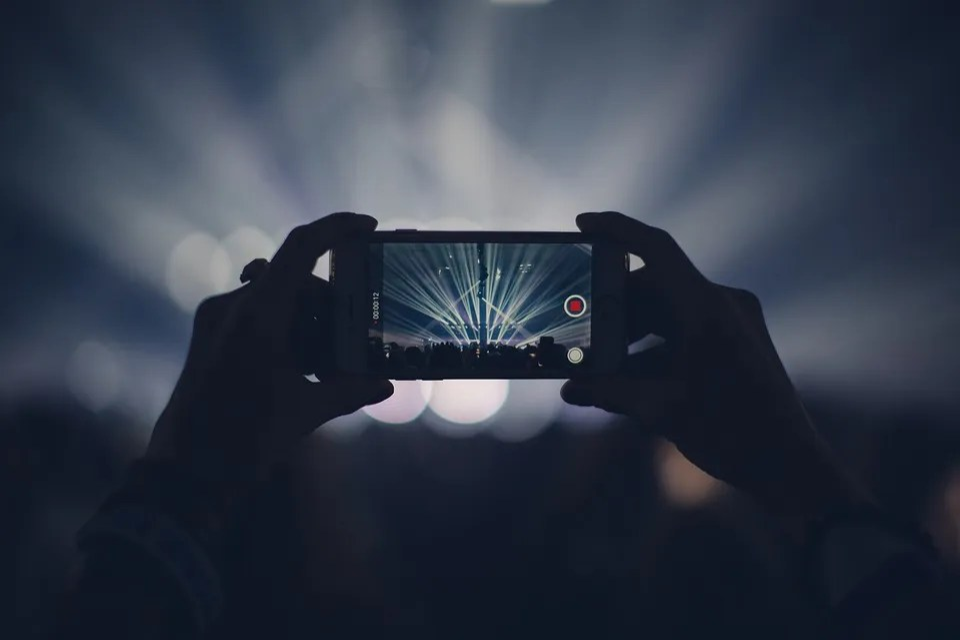 I Phone, Concerto, Luci, Luci Di Scena, Disco, Video