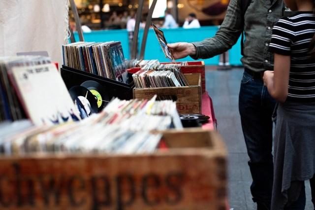 Business, Comprare, Cd, Uomo, Mercato, Musica, Persone