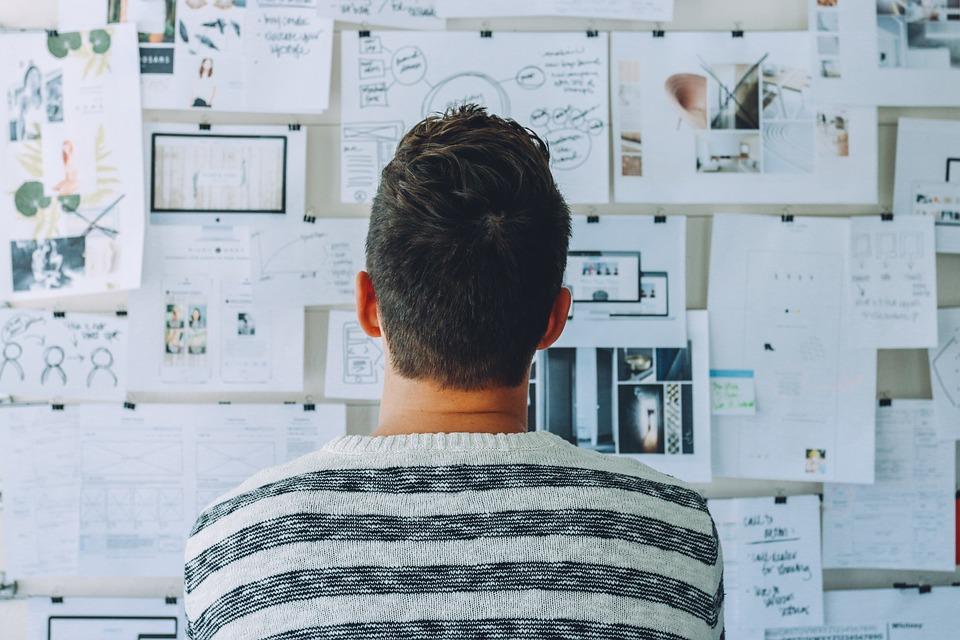 コンセプト, 男, 論文, 人, 計画, 研究, 思考, ホワイト ボード, 青紙, 青考え方, 青の研究
