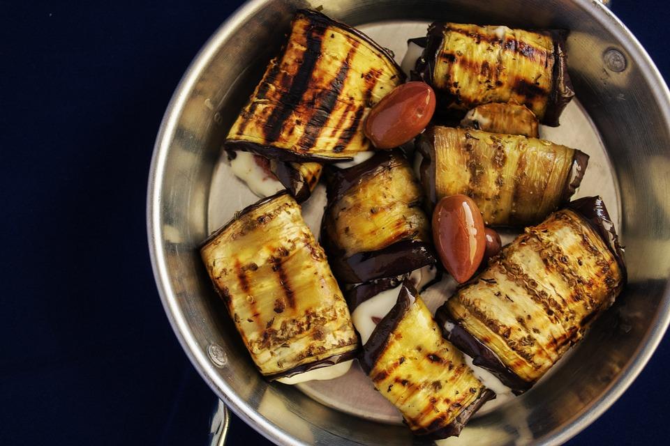 焼き野菜ロール, ナス, 詰め焼きナス, 茄子, 野菜, ぬいぐるみ, 皿, 健康, ロースト, 緑, 自家製