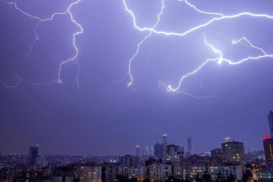 Rain Wallpaper Hd Thunder Lightning Cityscape Free Photo On Pixabay