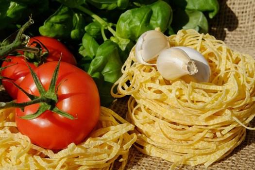 Tagliatelle, Pasta, Raw, Pomodori, Basilico, Cibo