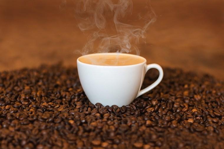 Kahvi, Kaffetasse, Kuumaa Kahvia, Höyry, Savu, Cup