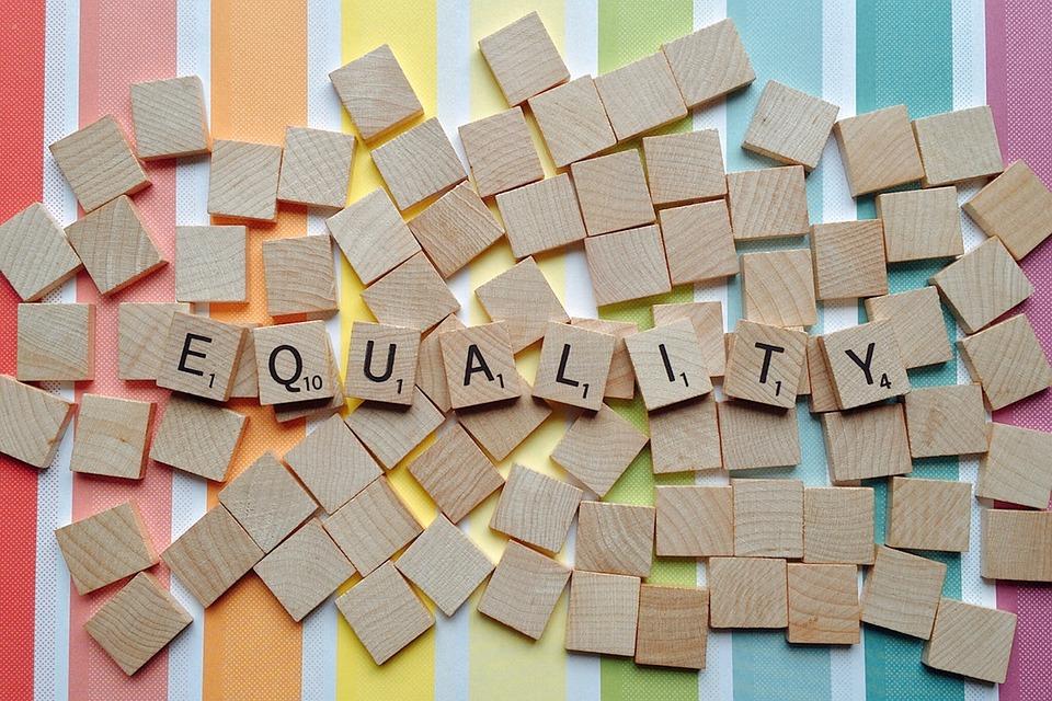 È Uguale A, Lgbt, Uguaglianza, Pride, Diritti