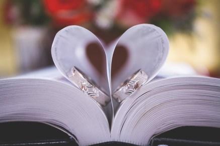 本, 聖書, 結婚式, リング, 中心部, 愛, 教会, 永遠に, カップル