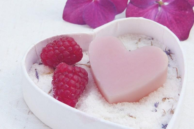 石鹸, 心, ピンク, Badesalz, 塩, 花, 衛生, 手作り, 肌に優しい, 新鮮, 香り, バイオ