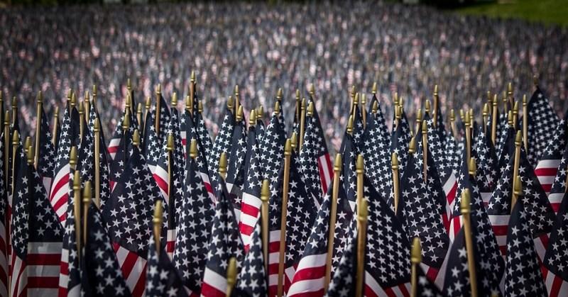 Banderas Americanas, Día Conmemorativo, Memorial