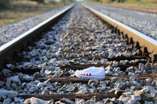 Interrompere Adolescente Suicidio