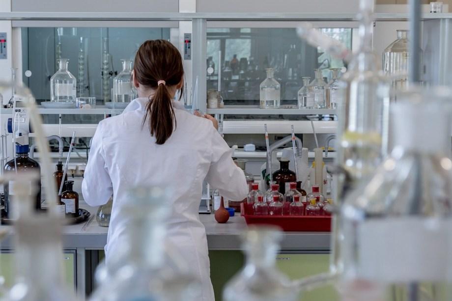 研究室, 解析, 化学, 研究, 化学者, 博士号を取得, 診断, 病院, 試験管, 医療, 医師, 衛生兵