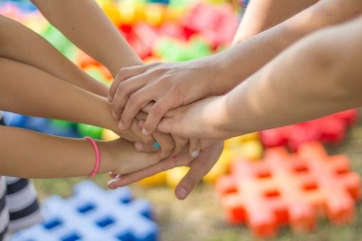 Mani, Amicizia, Amici, Bambini, Divertimento, Felicità