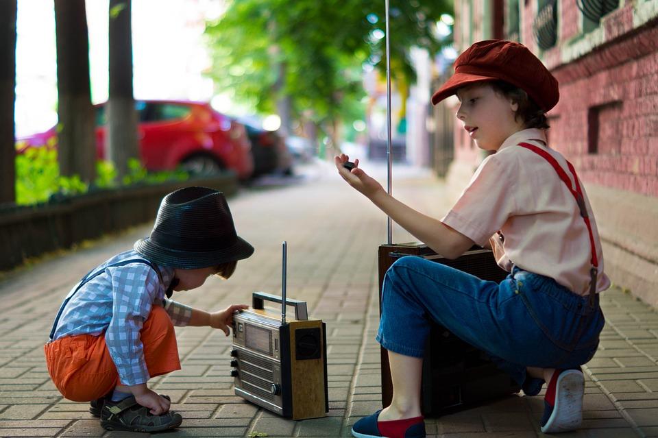 少年, ラジオ, レトロ, ワイン, 帽子, 子供, 古典, ルポルタージュ, 古い, スタイル, 写真