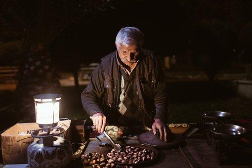 Dealer, Old Man, The Peddler, Chestnut