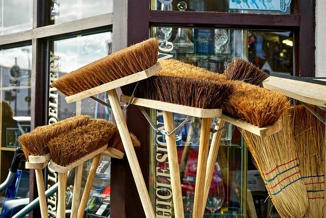 broom-2903582_640.jpg