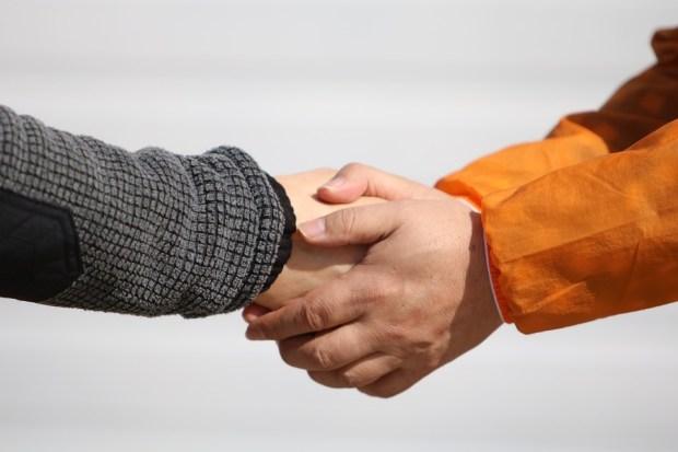 人々, 手, 男性, 握手, 人, お願い, 選挙, 取引, 出会い