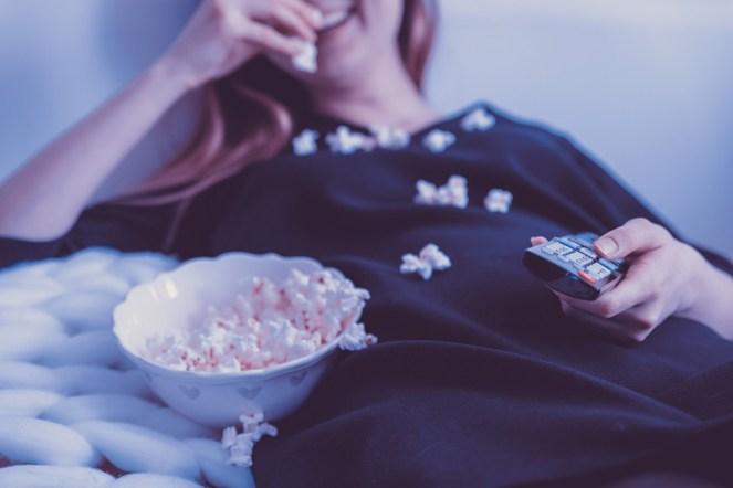 Pessoas, Mulher, TV, Filmes, Televisão, Fêmea, Feliz