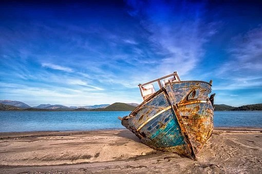 free shipwreck & sea