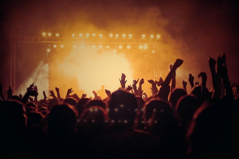 コンサート, ライブ, 視聴者, 人, 群衆, 祝賀会, 光の効果, イベント, ステージ, 多く, 混雑