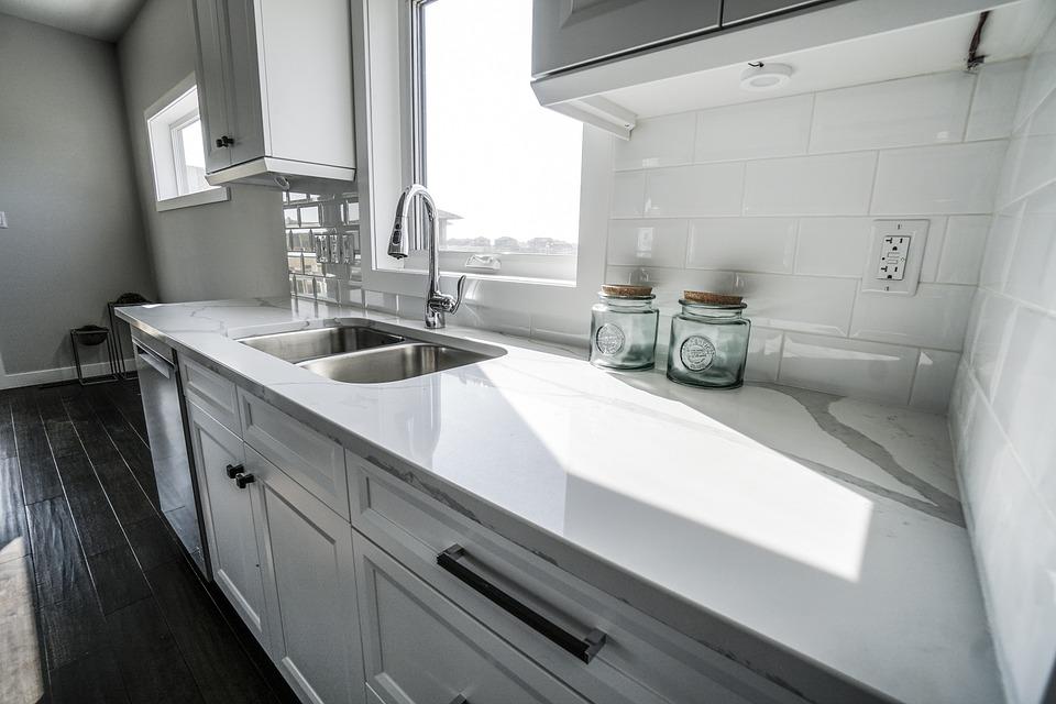 kitchen sink white tile flooring 厨房白色的厨房计数器顶部 pixabay上的免费照片 厨房 白色的厨房 计数器顶部 豪华 计数器 白 设计 瓦 花岗岩 大理石 表面 水槽