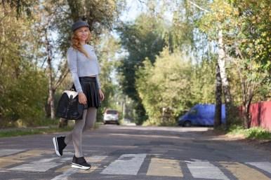 横断歩道, のルールは、道路, 道路, 歩行者, トラフィック, ルール, 赤, グリーン, スタンド, 注意