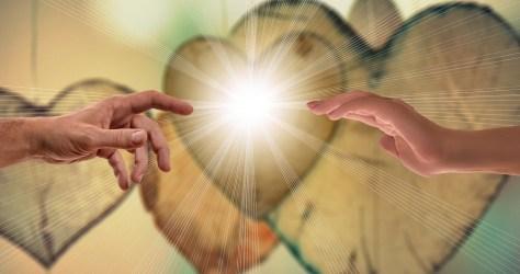 信仰, 愛と希望, 手, お問い合わせ, 閉じる, 光線, 暖かさ, 信頼, 霊性, ハーモニー, イエス