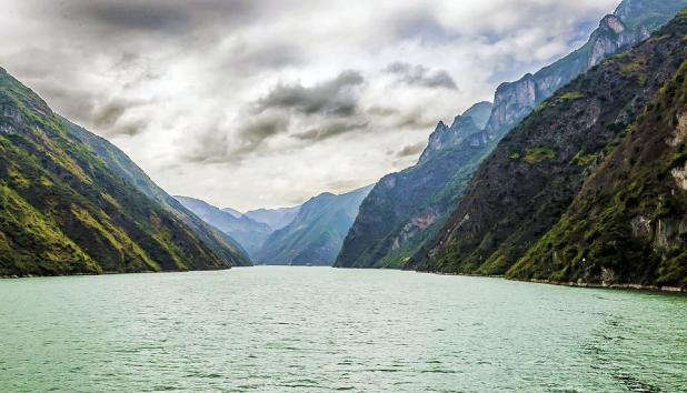 third of the top 10 longest rivers in the world - yangtze