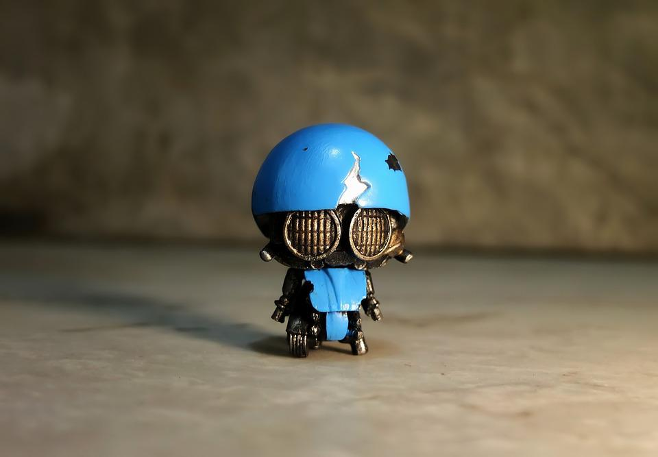 small robot toy free
