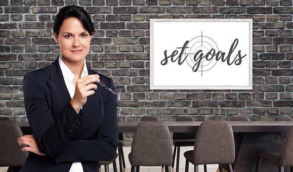 Geschäftsfrau, Ziel, Idee, Vision und Kredit für GmbH